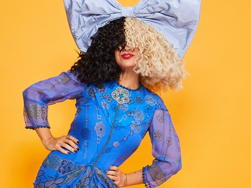 Why does Sia never show her face?